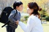 Cách dạy dỗ thông minh của bà mẹ Đài Loan khi con trai 'gây loạn' quầy lấy số bưu điện
