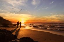 Chồng là đất, vợ là hoa, gia đình thuận hòa cần có thiện niệm