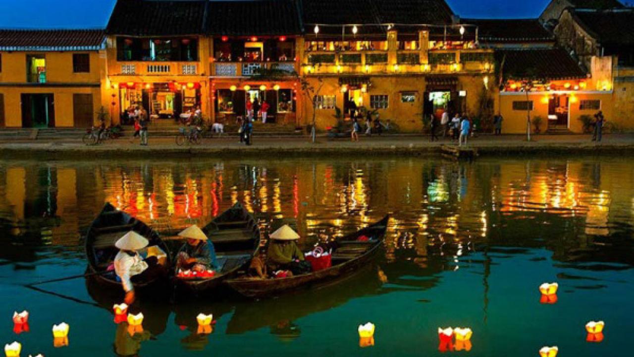 Lễ hội đèn lồng hội an trên sông