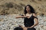 Siêu mẫu Pooja Mor: Thiền định giúp tôi trầm tĩnh trước ánh đèn sân khấu hào nhoáng