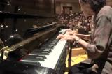 Cụ bà 87 tuổi biểu diễn đàn piano đầy cảm xúc