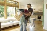 Cô dâu Ai Cập đòi ly dị vì… chồng giành làm hết việc nhà