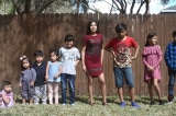 Cảm phục gia đình người Mỹ nhận nuôi 9 anh chị em