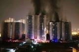 Sau vụ cháy, chung cư Carina chỉ 'hư hỏng cục bộ'