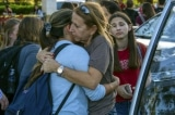 Phải làm gì khi gặp những vụ xả súng? Câu trả lời của các em học sinh khiến cô giáo rơi nước mắt