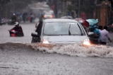 Tại sao chi tiền tỷ nhưng TP. HCM cứ mưa là ngập?