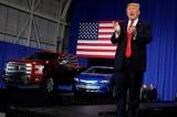 Trump yêu cầu Bộ Thương mại xem xét áp thuế ôtô nhập khẩu