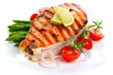 Những trường hợp cần kiêng hoặc hạn chế ăn cá