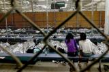 Trump lên án cựu Tổng thống Obama nhốt trẻ em nhập cư trong lồng sắt