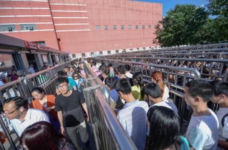Trung Quốc 'tẩy não' người dân qua kiểm soát 'an ninh mạng' như thế nào?