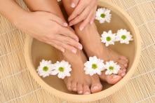 Dấu hiệu bất thường ở hai chân báo hiệu tình trạng gì của sức khỏe?