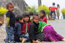 Trẻ mầm non 5 tuổi vùng khó khăn được miễn học phí