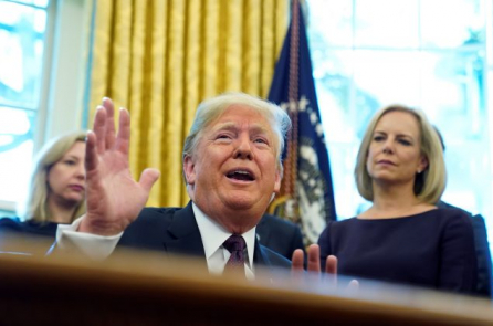 Trump xác nhận Trung Quốc đề xuất nhượng bộ, nhưng ông chưa chấp nhận
