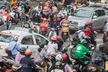Bộ Tài chính thúc giục thu phí khí thải với ô tô, xe máy