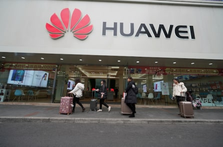 Panasonic ngừng kinh doanh với Huawei, sau đó sẽ là Samsung và LG?