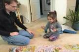 Vợ người Hoa sửng sốt khi thấy cách chồng Canada dạy con