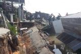 Sạt lở trong đêm tại Đồng Tháp, 5 căn nhà rơi xuống sông