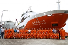 Reuters: Tàu Hải Dương 8 Trung Quốc hoạt động cách bờ biển Phan Thiết 185km