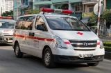 Đang chở bệnh nhân cấp cứu, tài xế dừng giữa đường đăng kiểm ô tô