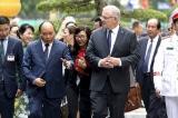 Thủ tướng Úc thăm Việt Nam, bày tỏ quan ngại về căng thẳng Biển Đông