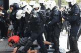 Pháp: Cảnh sát xịt khí gas, bắt nhiều người biểu tình chống chính phủ Macron