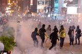 Người Hồng Kông tiếp tục diễu hành ngày 27/10, cảnh sát dùng bạo lực trấn áp