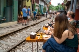 Hà Nội quyết định xóa bỏ 'cà phê đường tàu'