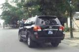 Cán bộ Cao Bằng nhận quà tặng ô tô hơn 3,7 tỷ đồng