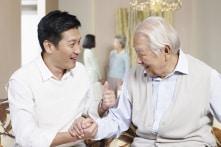 """""""Lắng nghe"""" giúp mối quan hệ cha con trở nên gần gũi"""
