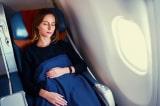 7 mẹo giúp bạn ngủ ngon trên máy bay