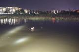 Một phụ nữ thiệt mạng do rơi xuống hồ trong triều cường