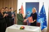 Việt Nam – EU ký thỏa thuận thúc đẩy hợp tác quốc phòng
