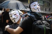Trung Quốc: Tòa án Hồng Kông không có quyền phán quyết về luật cấm che mặt