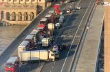 Cảnh sát Anh bắn hạ kẻ đâm người trên Cầu London