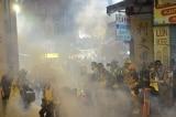 Bệnh trứng cá do clo: Khả năng Hồng Kông bùng phát bệnh nan y vì hơi cay