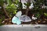 Đà Nẵng yêu cầu không vứt khẩu trang bừa bãi ra môi trường