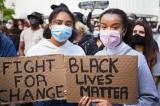 Phong trào Black Lives Matter từ Mỹ, bây giờ lan ra nhiều nước trên thế giới.