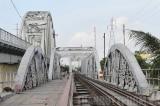 TP.HCM phá, dỡ một cây cầu cũ hết 18,9 tỷ đồng